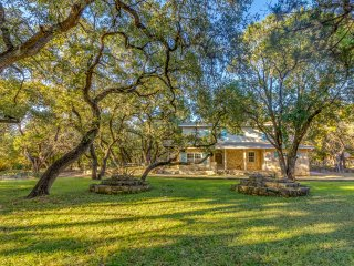 Grey Forest Cottages (Robert Wood Home) - Helotes vacation rentals