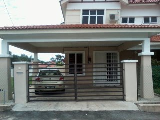 Convenient House with Washing Machine and Television - Kuantan vacation rentals