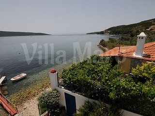 Holiday House with beach. Supermarkets, restaurants & bars at approximately 1km - Kalamakia vacation rentals