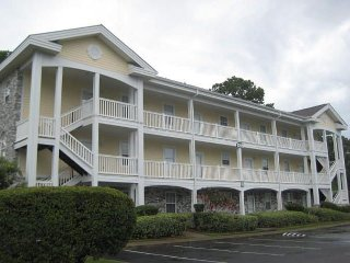 Centrally located 2 bedroom Golf Course condo, close to Beach and Attractions - Myrtle Beach vacation rentals