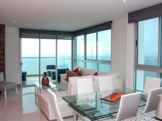 Stunning 3 Bedroom Luxury Apt on the Beach - Cartagena vacation rentals