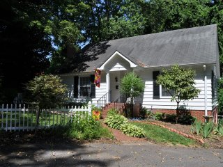 Lovely House with Internet Access and A/C - Elkin vacation rentals