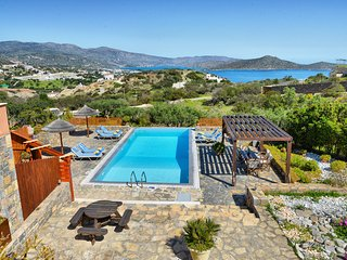 Glan y Mor - 4 bedroom villa with a private swimming pool - Plaka vacation rentals