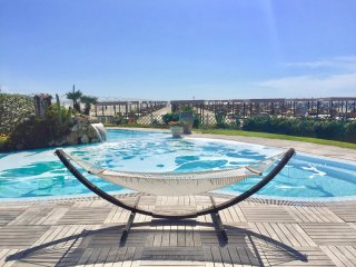 Appartamento sul mare con piscina - Marina Di Pietrasanta vacation rentals