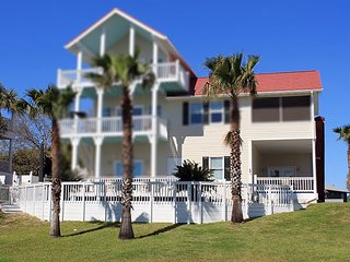2 Railwood Avenue - Downstairs - Easy Beach Access - FREE Wi-Fi - Tybee Island vacation rentals