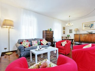 TreasureRome Family 3BR by Coliseum - Rome vacation rentals