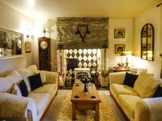 GREYSTONES, family-friendly, character holiday cottage, with a garden in - Maentwrog vacation rentals