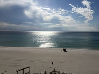 611* SUNBIRD over look PINEAPPLE WILLYS and POOL/ BEACHFRONT - Panama City Beach vacation rentals