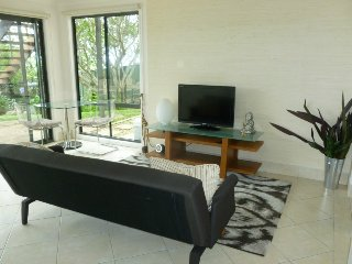 Weekend Getaway - Wamberal (mins from Terrigal) - Wamberal vacation rentals