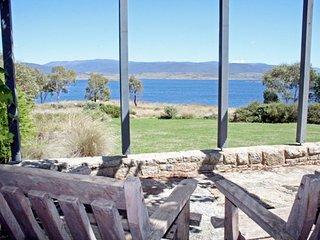 Edzell -  Stunning Waterfront Home - Jindabyne vacation rentals