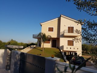 Wonderful 4 bedroom Aiyion Villa with Internet Access - Aiyion vacation rentals