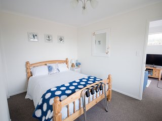 """"""" YOU WILL LOVE """" this NEW 1 bed self contained studio, set in a peaceful garden - Whangarei vacation rentals"""