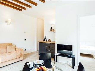 BRERA SWEET HOUSE , NUOVO BILOCALE A SOLI 10 MINUTI DAL DUOMO - Milan vacation rentals