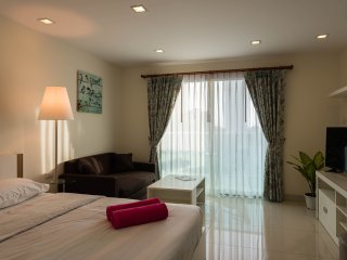 Laguna Bay 1 Sea View Studio - Pattaya vacation rentals