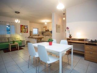 Raanana Luxury- Deluxe 2BR + Balcony (REF 05) - Ra'anana vacation rentals