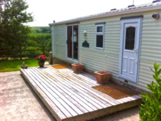 Beautiful Caravan/mobile home with Deck and Television - Chedington vacation rentals
