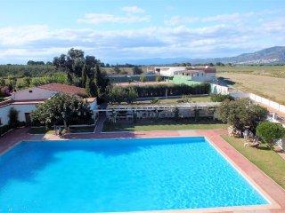 Estudio de vacaciones con piscina y vistas despejadas en Roses, Costa Brava - Roses vacation rentals