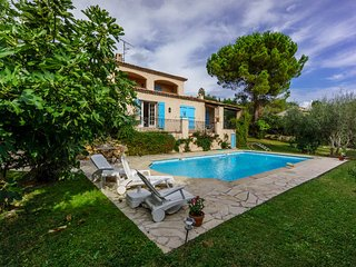 Charming Provençal family holiday home - Le Rouret vacation rentals