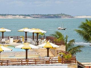 Flat mobiliado à beira mar na Praia da Pipa - a 30m do centro comercial. - Tibau do Sul vacation rentals
