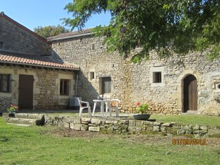 3 bedroom Cottage with Internet Access in Cherveux - Cherveux vacation rentals