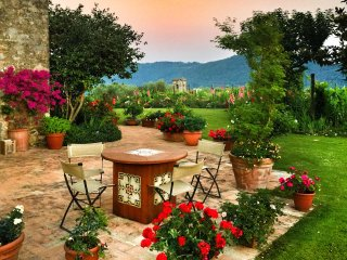 Gorgeous Luxury Villa in Tuscany - Orbicciano vacation rentals