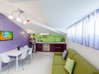 Brioso appartamento La Vela. Sul mare e in pieno centro! - Grottammare vacation rentals
