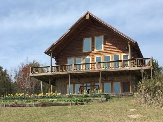 Amazing Views from Large, Family Friendly Cabin at Mt. Magazine, Arkansas - Magazine vacation rentals