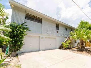 3 bedroom House with Deck in Anna Maria - Anna Maria vacation rentals