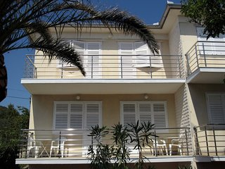 Cozy two bedroom and two bathroom apartment - Barbat vacation rentals