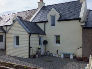 Perfect 1 bedroom Scalloway House with Internet Access - Scalloway vacation rentals