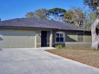Well Appointed Home with Heated Pool Just Off Siesta Key Close Gulf Gate Area - Sarasota vacation rentals