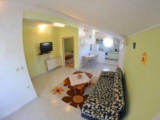 Charming two bedroom apartment in Banjol - Banjol vacation rentals