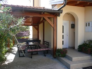 Tasteful two bedroom apartment in Lopar - Lopar vacation rentals