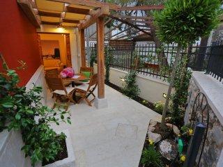 Lovely 2 bedroom House in Sukosan - Sukosan vacation rentals