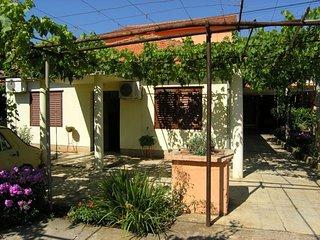 4 bedroom Apartment with Internet Access in Sukosan - Sukosan vacation rentals