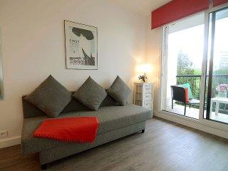 Cozy & Modern Studio with Balcony at Port Royal - Paris vacation rentals