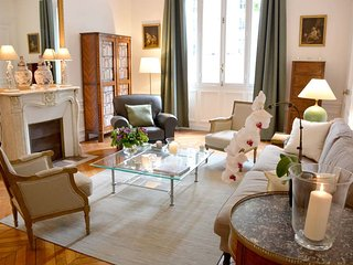 Classic 2BR French apartment at the Eiffel Tower - Paris vacation rentals