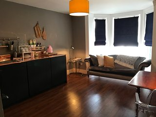 Romantic 1 bedroom Apartment in Bray with Washing Machine - Bray vacation rentals