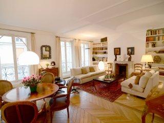 2 BR Vacation Rental in Paris Near Eiffel Tower - Paris vacation rentals