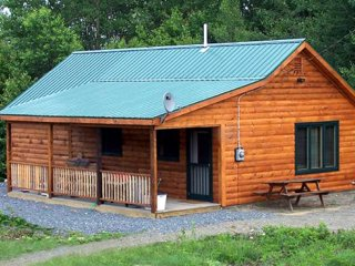 Nice Cabin with Internet Access and Satellite Or Cable TV - Bingham vacation rentals