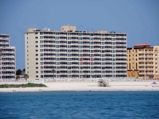 DIRECT OCEAN FRONT, Shores Club, Weekly OK, WIFI - Daytona Beach Shores vacation rentals