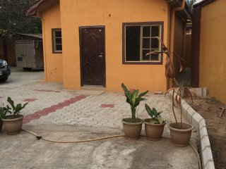 Fully Furnished Chalet in quiet Gated Community GRA Ikeja - Ikeja vacation rentals