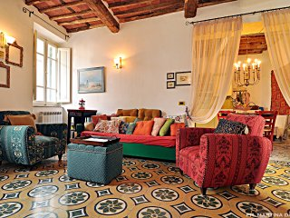 Sea, mountains and arts in Versilia in a large, warm and cool tuscan house - Camaiore vacation rentals