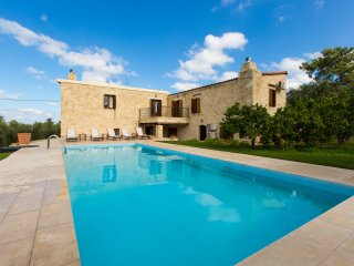 Spacious stonebuilt villa in a tranquil setting with pool and spacious garden! - Margarites vacation rentals