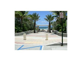 Convenient House with Internet Access and A/C - Lauderdale by the Sea vacation rentals
