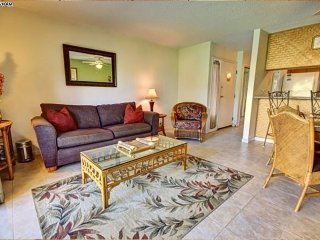 KGE101 Beautifully Appointed Condo in Kihei, Walk to Beaches and Shops - Kihei vacation rentals