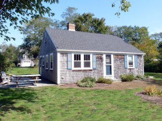 Quaint and Immaculate Home on Town Cove in East Orleans - East Orleans vacation rentals