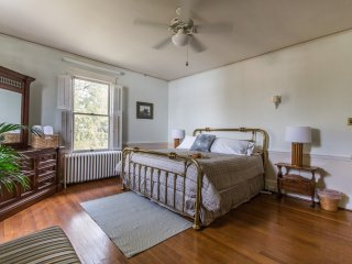 Spacious King at West Park Gardens - Culpeper vacation rentals