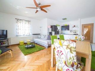 Cozy 2 bedroom Apartment in Kostrena - Kostrena vacation rentals