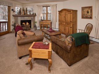Private Avon Townhome Along the Eagle River. Sleeps 8! ~ RA143813 - Avon vacation rentals